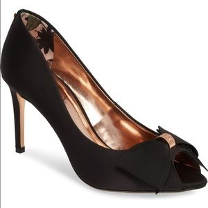 Ted Baker London Pumps